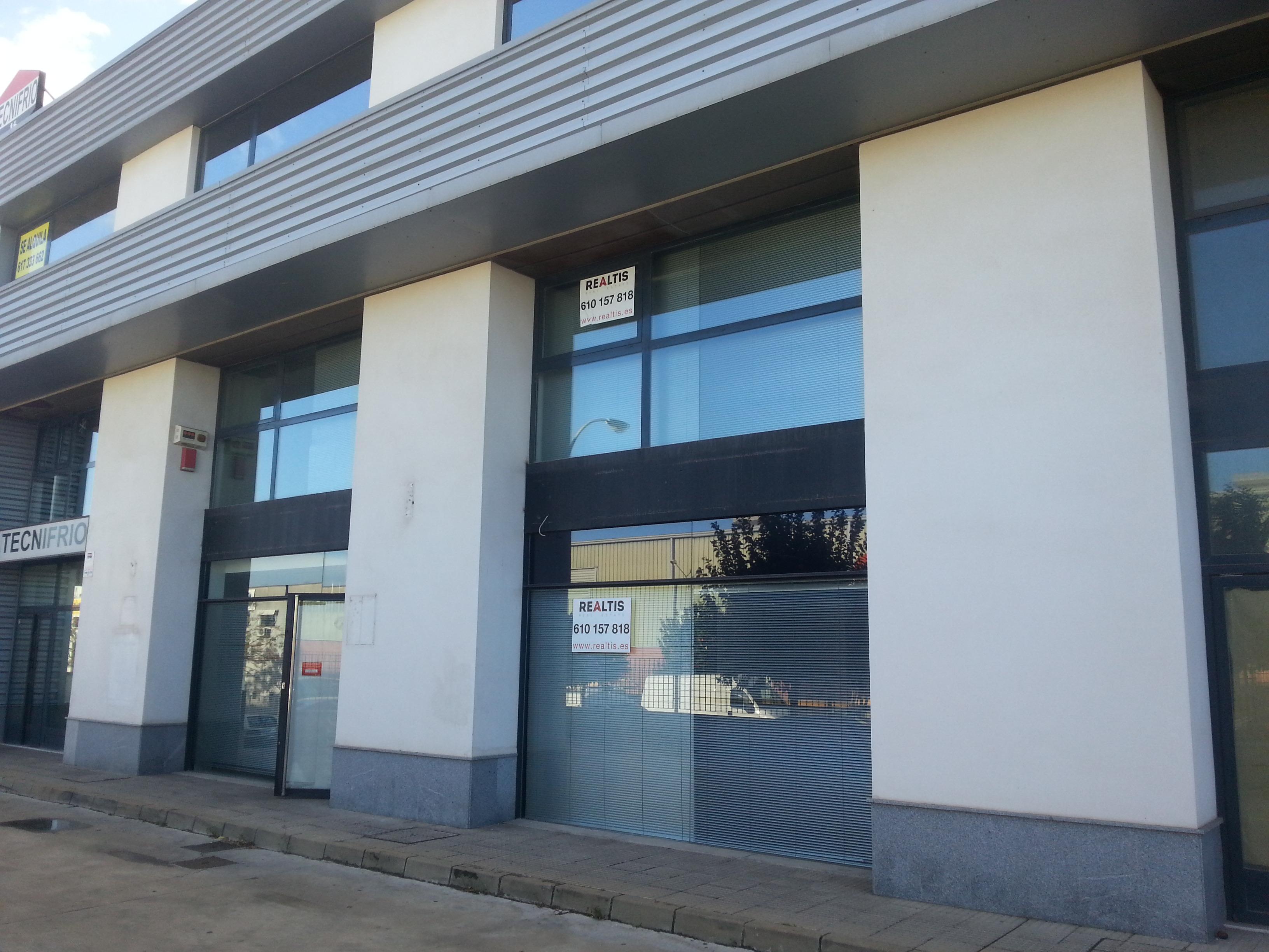Local en edificio de oficinas pisa realtis for Edificio oficinas
