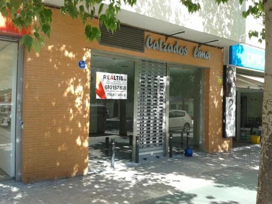 local-carretera-carmona-49-fachada-2